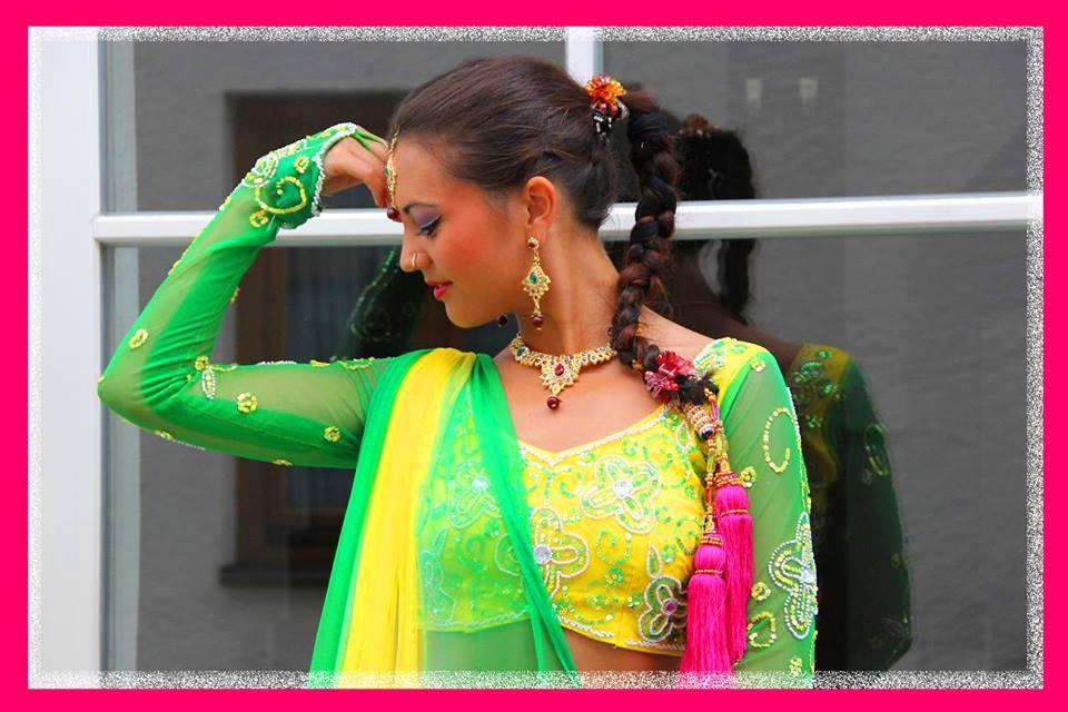 Bollywood Solo Tänzerin