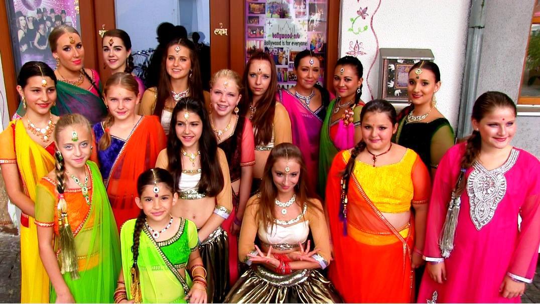 Kinder tanzen in Rosenheim - Dance in the City - Bollywood-Arts.jpg
